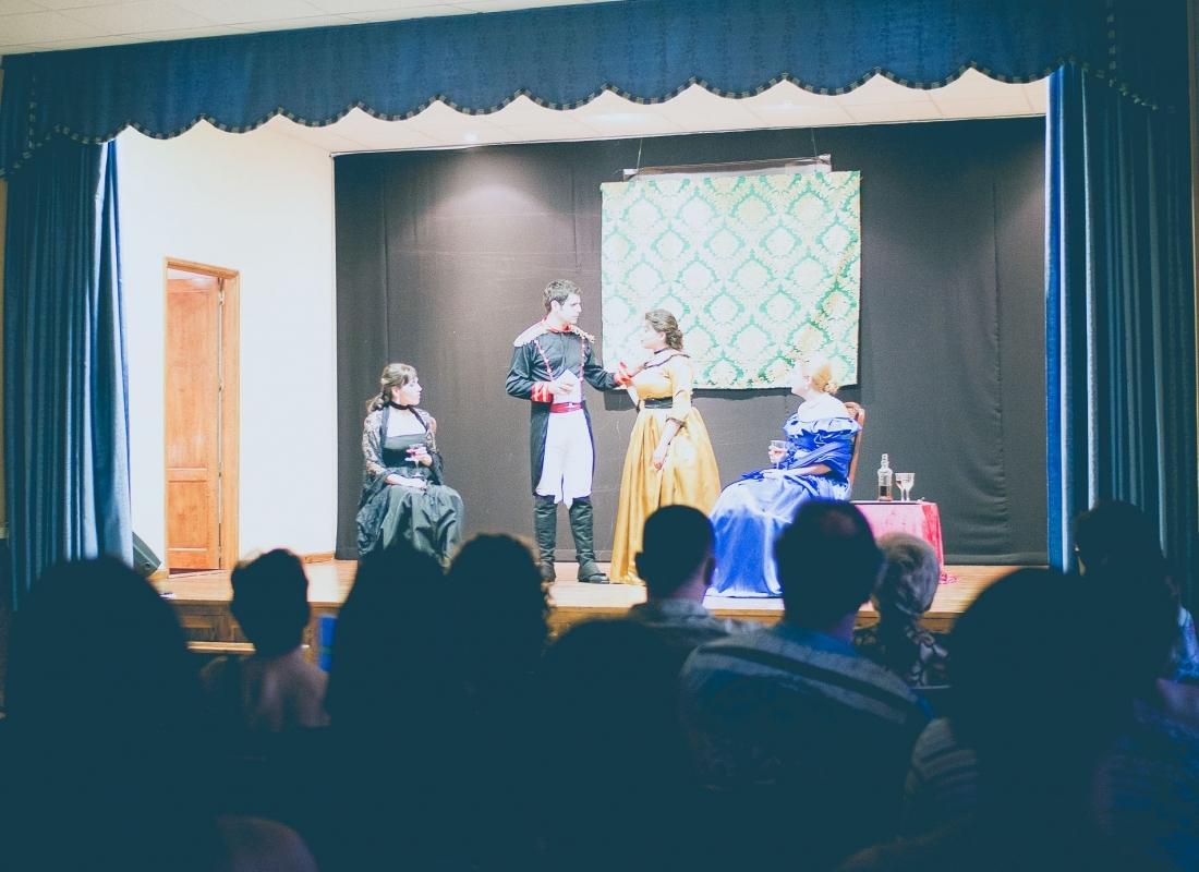 Representación de obra de teatro